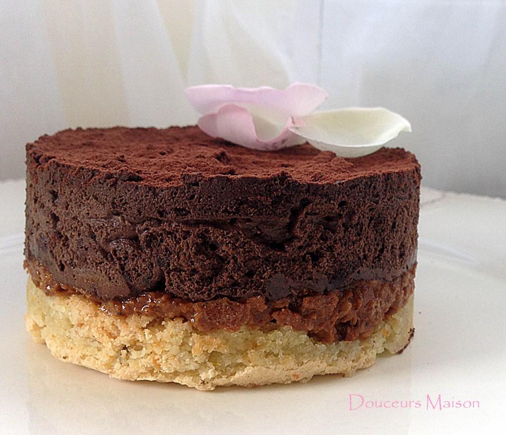 Royal au chocolat trianon 100 valrhona douceurs maison - Une royale en cuisine ...