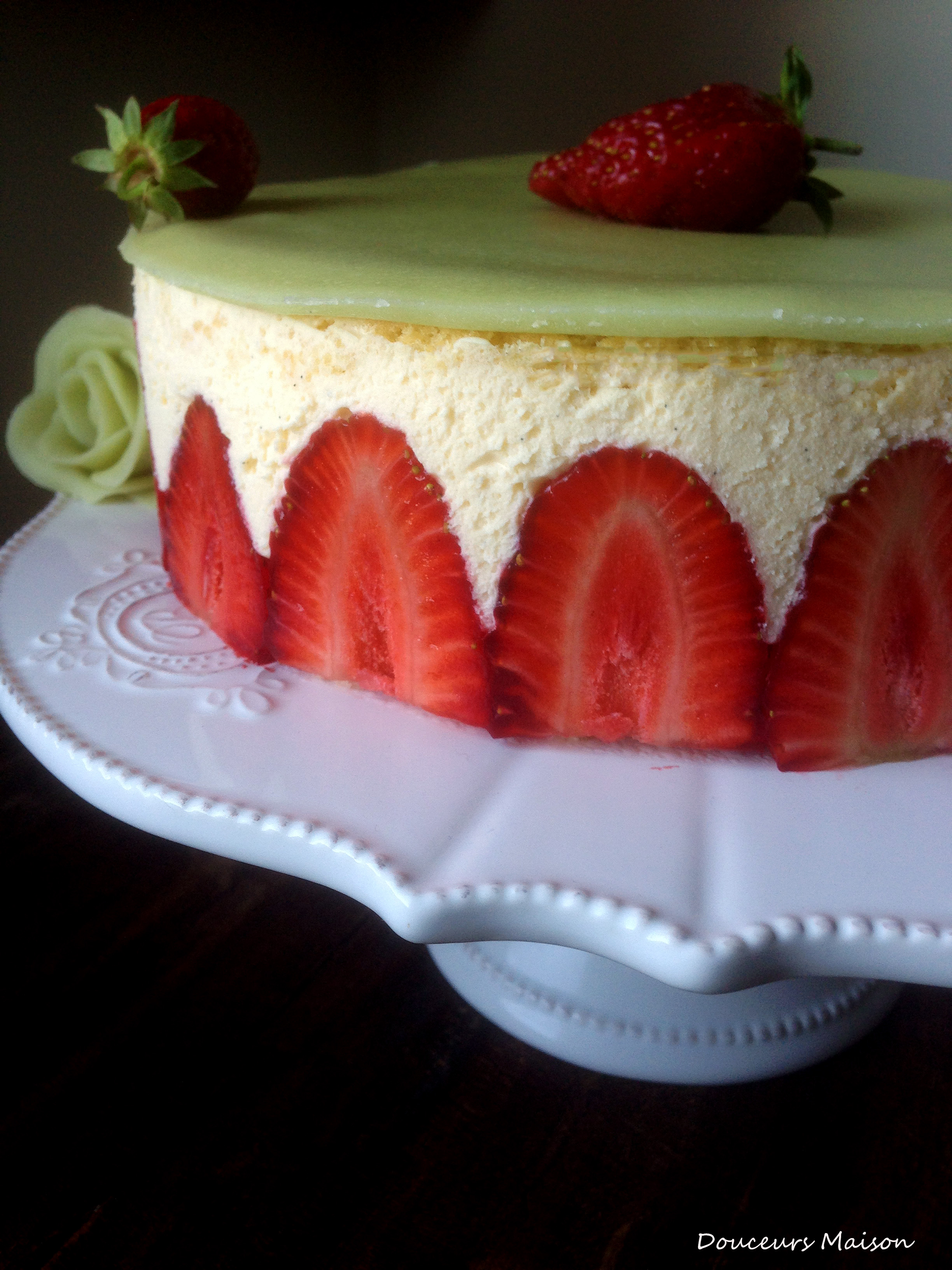Fraisier douceurs maison - Comment cueillir des fraises ...