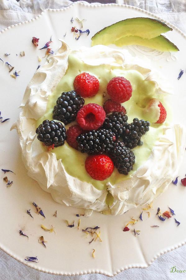 Pavlova Avocat Fruits Rouges
