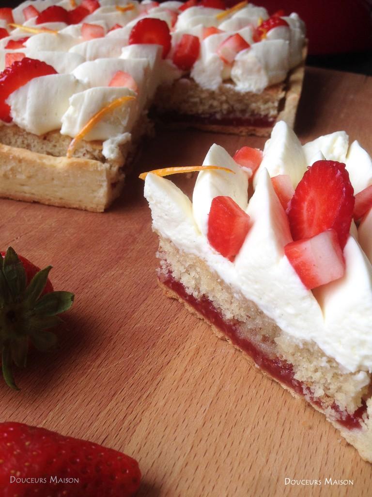 tarte fraise fleur d'oranger coupée
