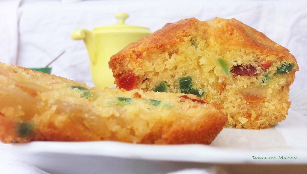cake aux fruits confits gros plan
